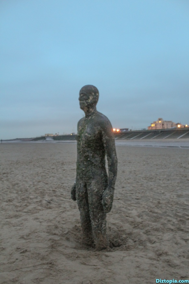 Liverpool-City-UK-Diztopia-Dizma-Dahl-Photography-2017-33-Another-Place-Antony-Gormley-Sculpture-Crosby-Beach-Cast-Iron-Statue-Nature