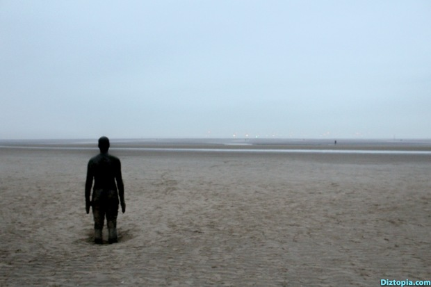 Liverpool-City-UK-Diztopia-Dizma-Dahl-Photography-2017-35-Another-Place-Antony-Gormley-Sculpture-Crosby-Beach-Cast-Iron-Statue-Nature